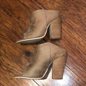Slip on block heels. Faux suede.